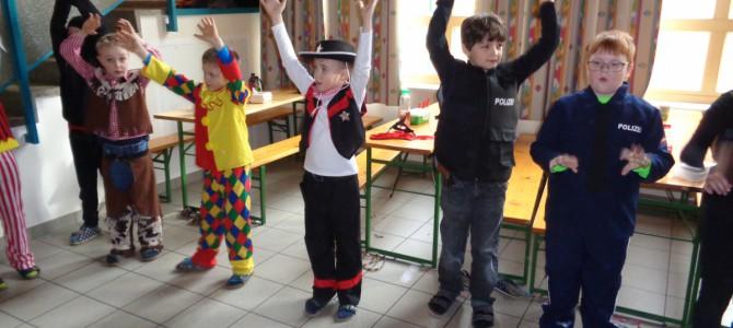 Faschingsparty in der Schule